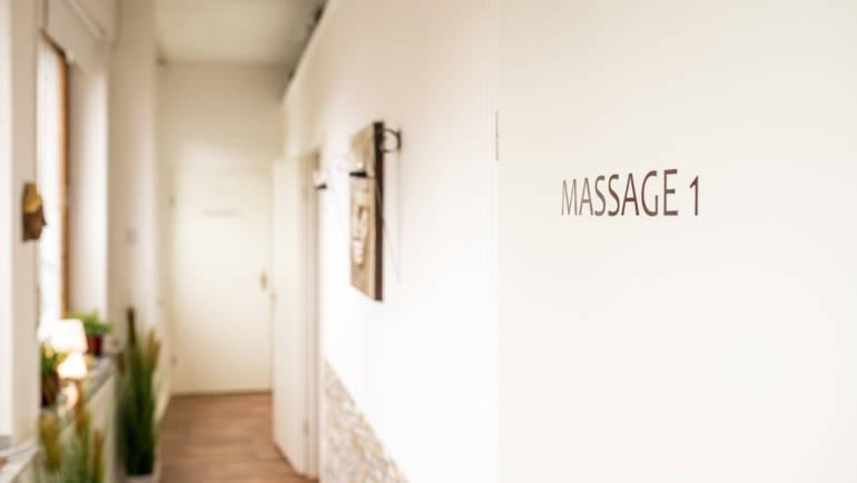 Thasiana-Salon-Flur.jpg